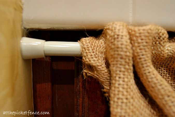 As part of a mini-makeover in our downstairs bathroom I wanted to freshen up the…