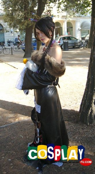 Lulu (Final Fantasy) Cosplay from Final Fantasy in RIMINI COMIX 2012 Italy