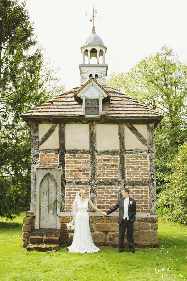 budget wedding photography west midlands%0A Brockencote Hall Worcestershire Wedding by Gemma Williams Photography  www gemmawilliamsphotography co uk