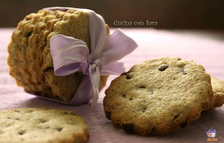 Biscotti di grano saraceno e cioccolato. Mia figlia adora i biscotti di grano saraceno ma finora non glieli avevo mai fatti, optando sempre per quelli di pasta frolla classica o al cacao