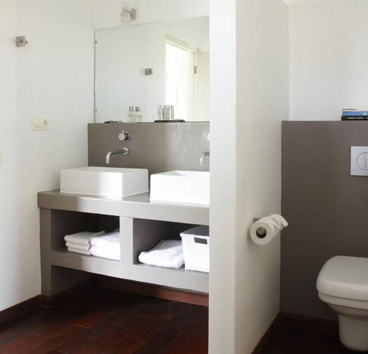 Heb je een kleine badkamer? Met deze 10 slimme trucs lijkt je badkamer…