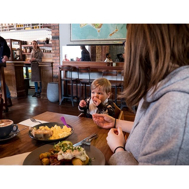 Family days are the best days. Jax was loving life tucking into his scrambled egg on toast whilst eyeing out the folks on the next table. - - - - - - - - - - #uk #unitedkingdom #northernireland #belfast #belfastcity #winter #snow #jaxonhunter #infant #babyboy #babyivy #babyjaxon