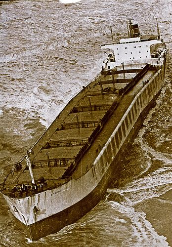 """""""Sygna"""", Stockton Beach, Stockton, NSW, 26 May 1974"""