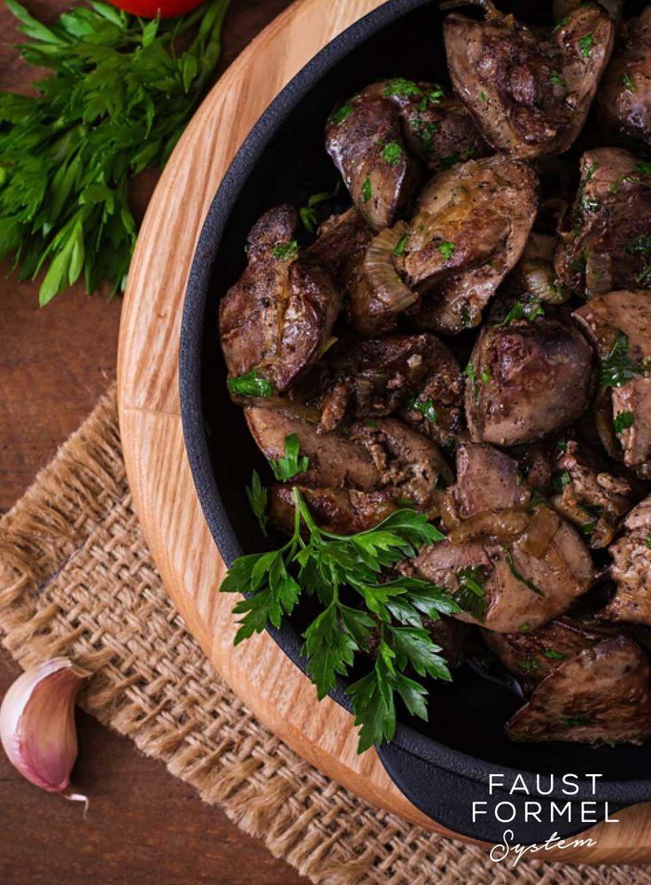 Rezept für gebratene Hühnerleber mit Fisolen und Kartoffelpürre