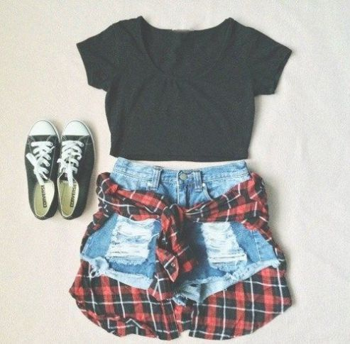 her track summer outfit punk rock. Concert outfit. Summer style. Jean shorts. Flannel. Chucks.