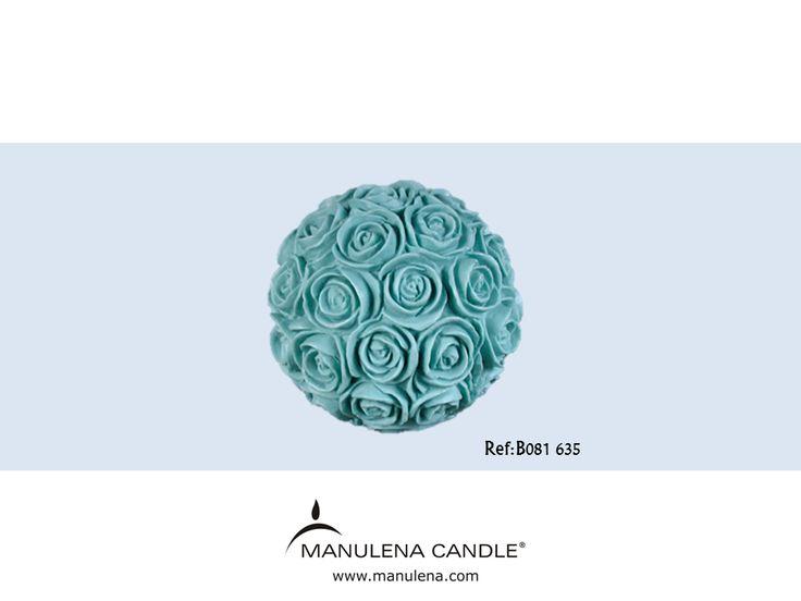 Bola de rosas difusora com aroma a Blue Lagoon. Roses bouquet diffuser with Blue Lagoon fragrance.