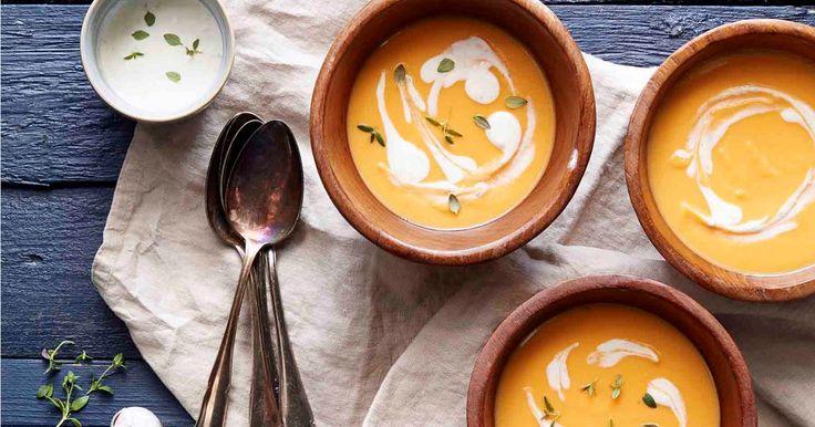 Täydellisen samettinen keitto hivelee aisteja pehmeydellään ja maukkaudellaan. Hienostunut maku ja kuohkea koostumus tekee tästä reseptistä klassikkoainesta.