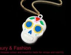 Betsy inspired white skull necklace pendant great for diy phone bling | chriszcoolstuff - Craft Supplies on ArtFire