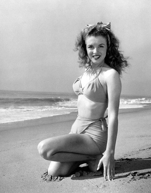 Marilyn Monroe photographed by Andre de Dienes, 1945...before she went blonde