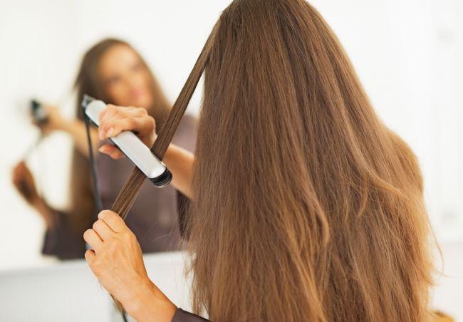 Cum poți obține un păr perfect drept acasă? - http://www.facebook.com/1409196359409989/posts/1500665236929767