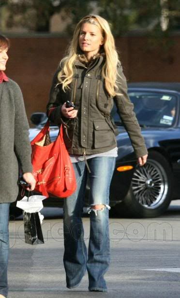 Ugh, I keep finding outfits of hers that I like. Besides her jeans being too long, I like this look.