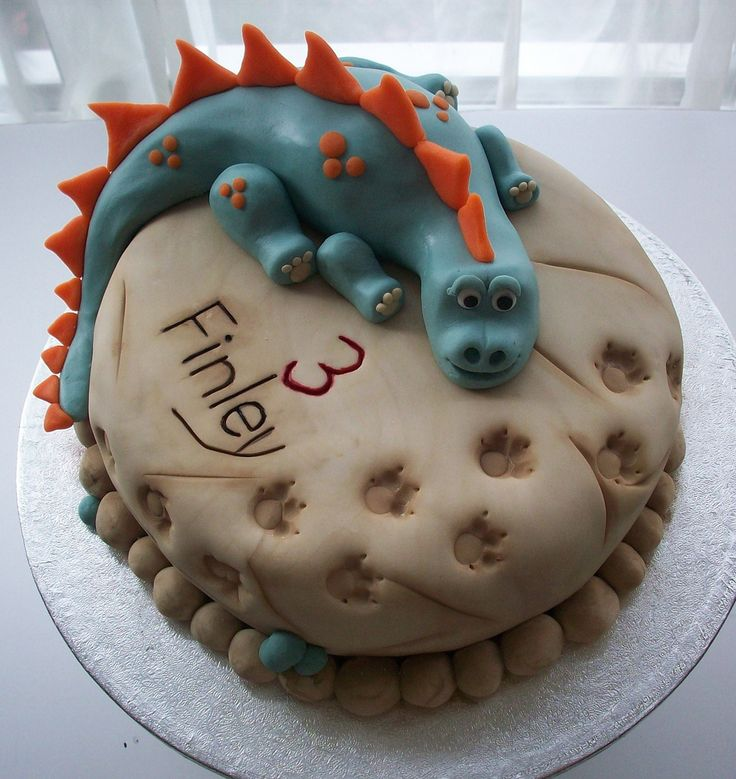 1000 images about dinosaur cakes on pinterest dinosaur for Cute simple cakes