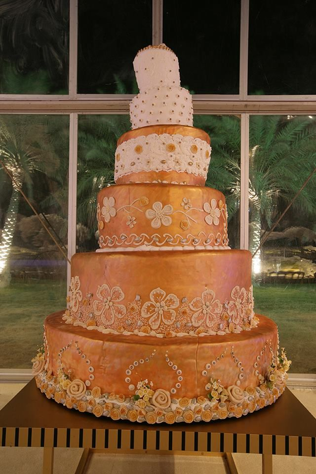 Cake Designs Qatar : 41 best Our Weddings images on Pinterest Beirut, Cutlery ...