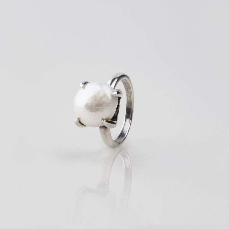 #miglio Luxe Ring - Bold Sterling Silver ring adorned with a lustrous white freshwater pearl in a claw setting RR194 - www.miglio.com