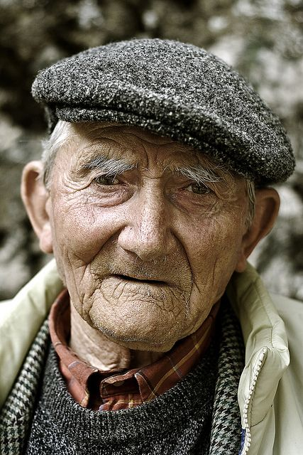 a whole life in his eyes - faces of the people... When an old man dies, a library burns to the ground.