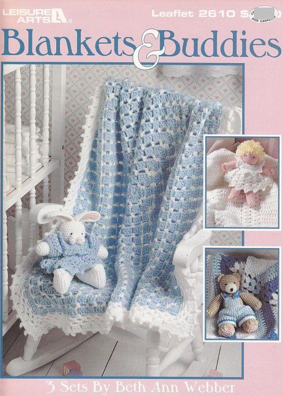 Items similar to Adorable bebé manta ganchillo patrones con amigos - oso, muñeca, conejito que emparejan on Etsy