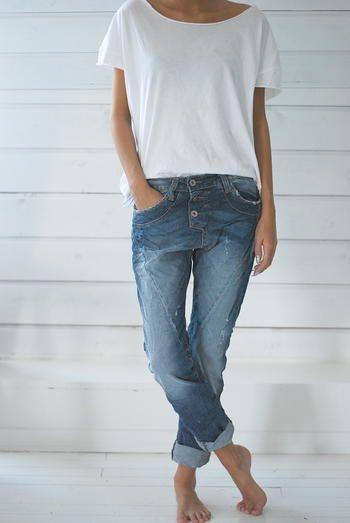 Jeans und ein weißes Hemd sind immer wichtig, nur um die perfekten zu finden!