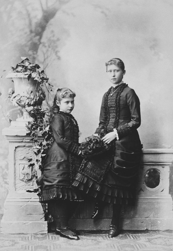 Princess Irene and Princess Alix of Hesse, 1880 [in Portraits of Royal Children Vol.25 1879-80] | Royal Collection Trust
