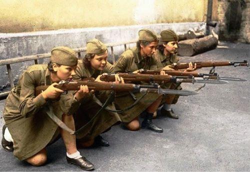 DMP-FF052 FEMALE RUSSIAN SOLDIERS - MOSCOU 1941 | Combat girl ... | 500 x 344 jpeg 81kB