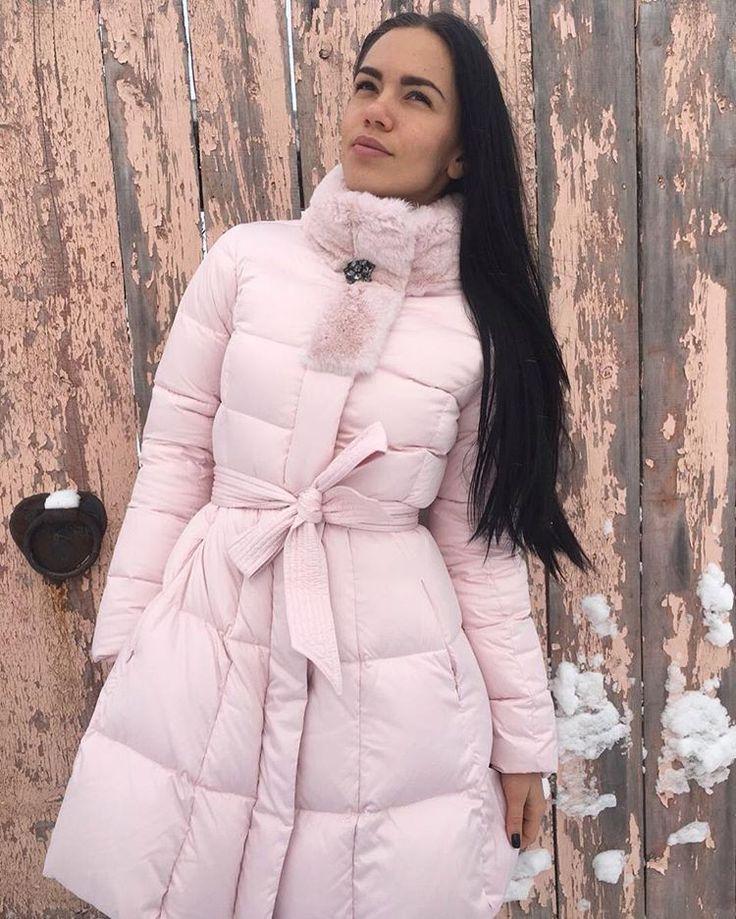 #ленина16_butikcherry🌟  #SALE 4⃣0⃣ % ❗️ ❗️  🌸Нежнейшая коллекция зимы 2016/2017, что отражается не только в цвете, но и ткани этого пуховика! Брошь при желании можно отстегнуть👌  🌸Старая цена 41 300 руб.  🌸Новая цена 24 780 руб.  #lenina16 #surgut #siberia