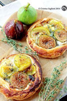 torta-salata-di-sfoglia-con-fichi-formaggio-blu-e-miele-contemporaneo-food