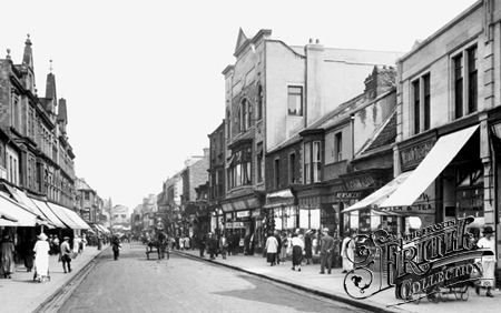 Photo of Bishop Auckland, Newgate Street 1923 - Francis Frith
