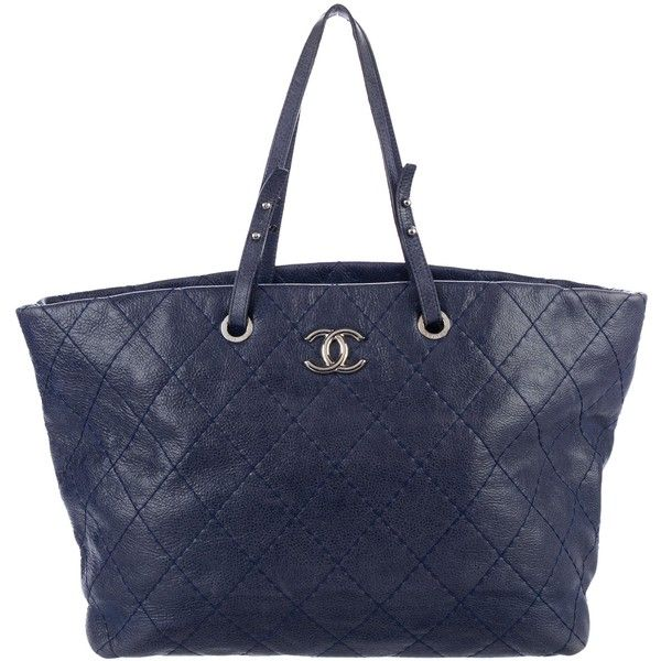 Pre-owned Chanel On the Road Tote (4.220 BRL) ❤ liked on Polyvore featuring bags, handbags, tote bags, blue, blue leather tote bag, blue leather tote, leather tote, zip tote bag and chanel tote bag