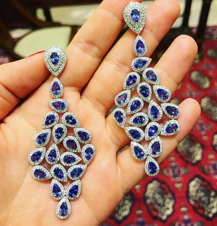 ...presenting a dazzlingly lavish #tanzanite jewel #Xanthopoulos #jewellery