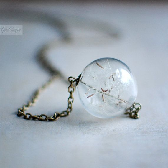 """A necklace with dandelion fluff inside ...always carry a wish with you..."" {super cool idea}"