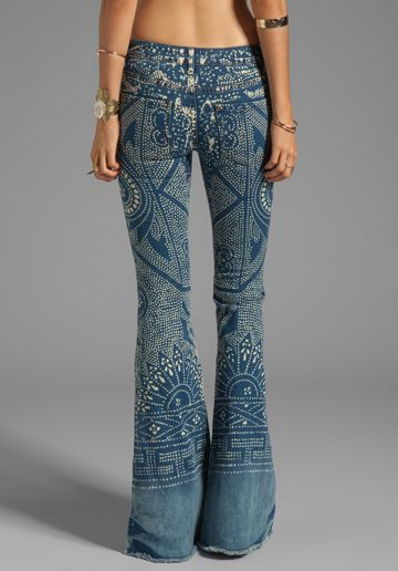 Love these jeans! And I recently rediscovered flares. Super flattering and comfy. Why did I ever give them up?
