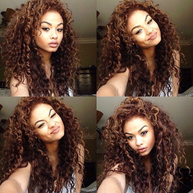 Para aquelas meninas que tem o cabelo Ondulado,  também são lindas <3