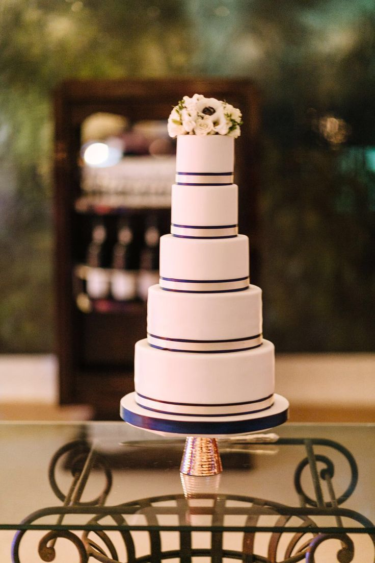 Winter Wedding Cake Gold and Navy Blue