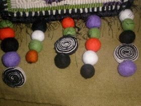 Since my friend, Maria ( Star Rug Co. ) mentioned that I showed her how to make these circles and work them into her hooking, I've had sever...