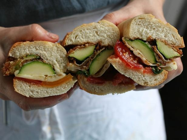 Meatless Monday: Zucchini Parmesan Subs with Tomatoes and Basil    Get the recipe here: http://ow.ly/bOurt: Meatless Mondays, Summer Veggies, Cooking Recipe, Basil Recipes, Vegetarian Lunches, Cookingchanneltv Com, Tomatoes, Cooking Channel, Zucchini Parmesan