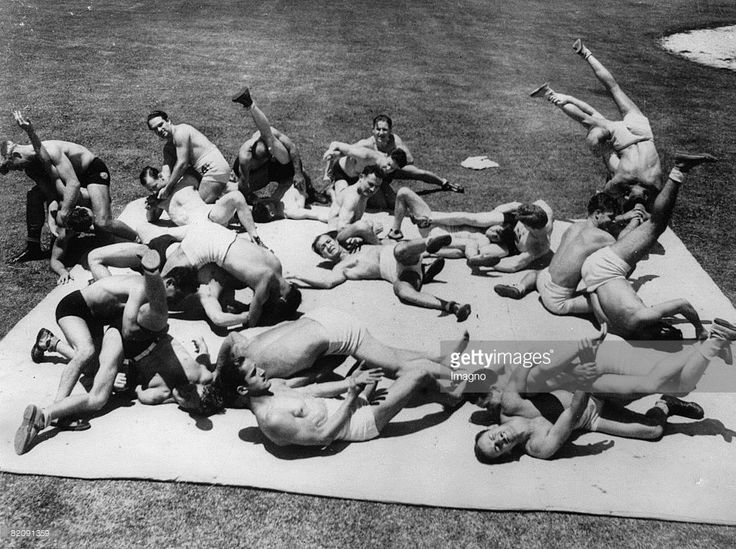 Wrestling training for the olympic games, Photograph, America, Around 1930 (Photo by Imagno/Getty Images) [Wrestling Training f?r die Olympischen Spiele, Amerika, Photographie, Um 1930]