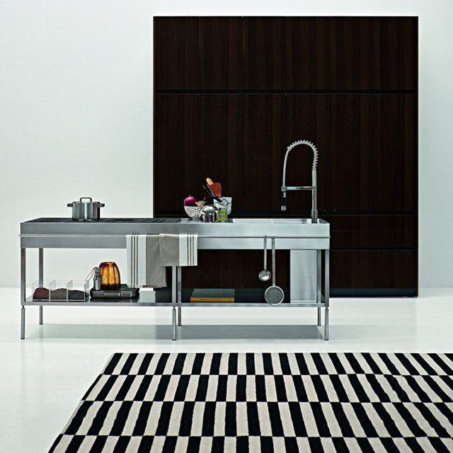 Slim Kitchen by Palomba Serafini for Elmar CucineSlim Kitchens, Elmar Kitchens, Slim Kitchenisland, Elmar Cucine, Kitchens Design, Elmar Slim, Palomba Kitchens, Design Slim, Modern Kitchens