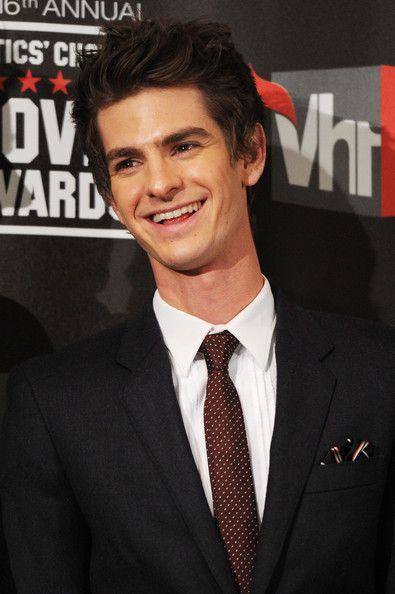 Andrew Garfield | Andrew Garfield Actor Andrew Garfield poses in the press room after ...