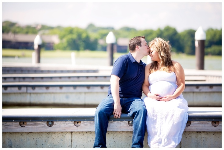 Meghan + Patrick's maternity session at The Harbor in Rockwall, TX. To see more from this session:  http://blog.nataliepittsphotography.com/?p=2329