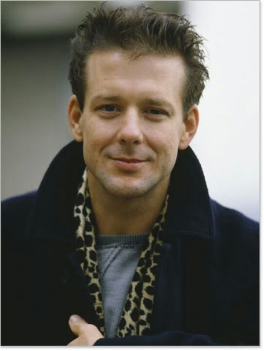 Mickey Rourke in 9 1/2 weeks. Soooo handsome!