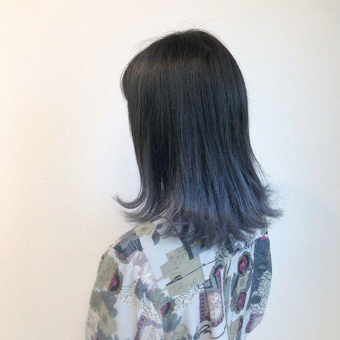 新しい髪色 上が暗めのブルー 下がグレーになるブルー グラデーション