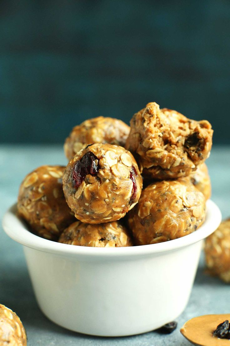 INSANELY Delicious + Healthy PB&J Energy Bites! Full of fiber and protein, 7 ingredients, + naturally sweetened! #vegan #glutenfree #protein #snack #recipe