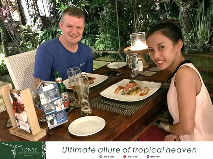 Time for challenge!  Share your best dinner moment during stay at Tonys Villas and Resort by mentioned @Tony's Villa and use hashtag #tonysvilla.  A wonderful picture will get 30 minutes massage in our Frangipani Spa. The winner will announced on next Friday. . . . Picture taken by: Mr. Paul Frith #bali #seminyak #tonysvilla #vacation #holiday #challenge #gift #bestphoto