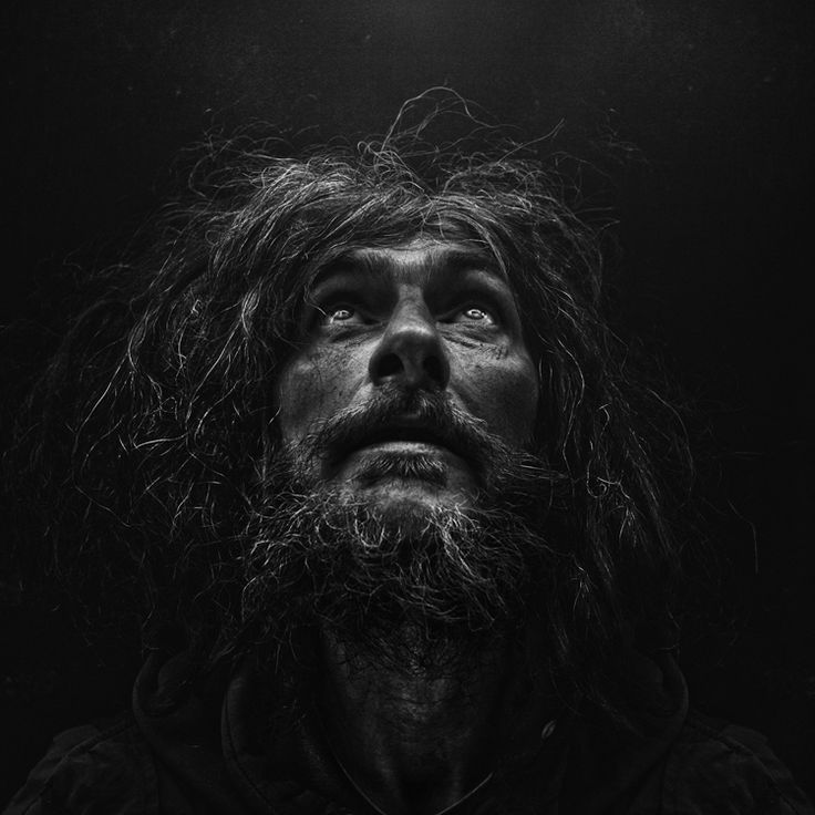 PORTRAITS OF THE HOMELESS BY: Lee Jeffries lives in Manchester in the United Kingdom.