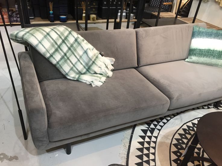 GENUA SOfa grijs stof velours Lifestyle94 / Lifestyle Home Collection Dealer BERLANO
