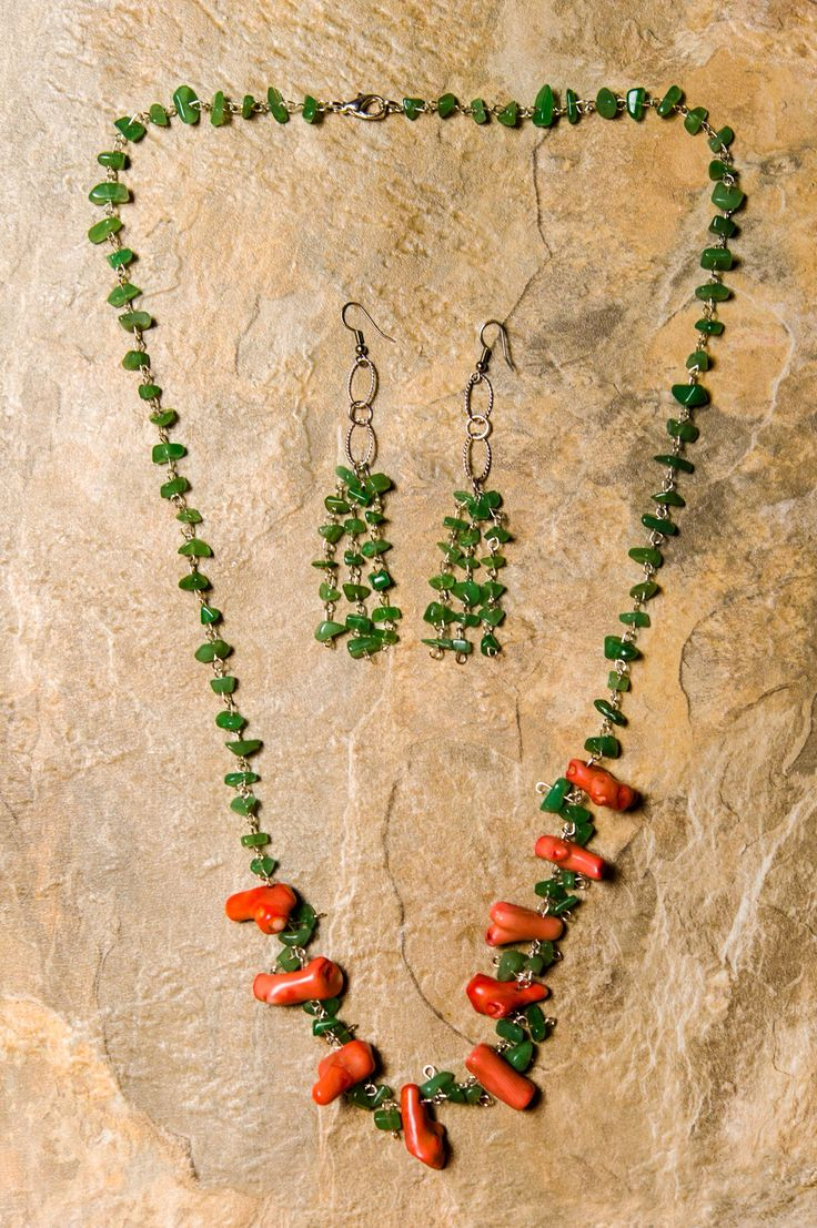 Coral And Jade Green Wire Beaded Necklace And Matching Earrings.