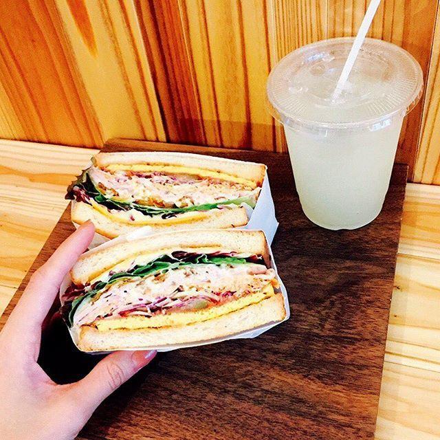 7月号「私たち、インスタジェニックに生きていく!」では、インスタについて特集中 4月にオープンしたばかりのトーストサンドイッチ専門店・トーストサンドイッチバンブーボリューミーで満足感◎✨ #トーストサンドイッチバンブー #サンドイッチ専門店 #トースト #サンドイッチ #表参道 #東京 #food #japan #インスタジェニック #フォトジェニック #撮影 #andgirl #アンドガール
