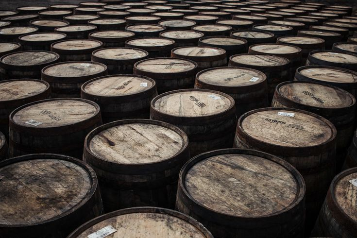 Want to discover some of the finest whisky, gin and ale that Scotland can offer? Then use our guide to the best distillery and brewery tours on the North Coast 500 route.