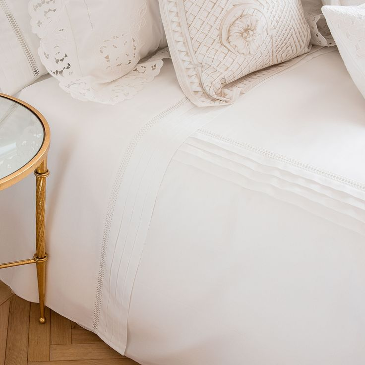 LACE PERCALE FLAT SHEET WITH PLEATED INSERTS