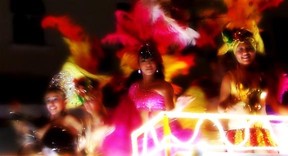 Mardi Gras Parade in Playa del Carmen, Mexico  http://www.flickr.com/photos/k2yhe/4506934326/in/set-72157623821618514  #PlayaDelCarmen  #MardiGrasParade  #k2yhe