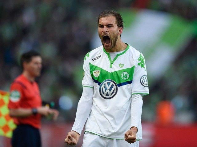 Report: Premier League trio target Wolfsburg striker Bas Dost